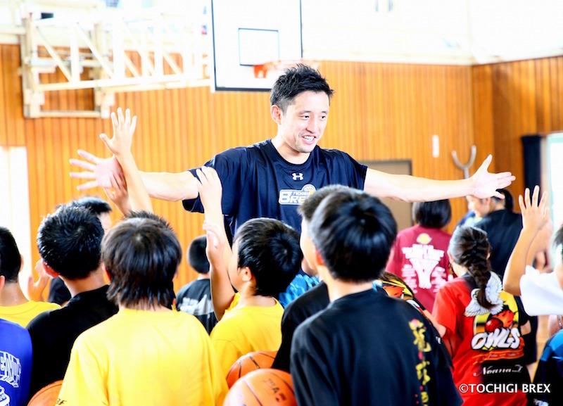 リンク栃木ブレックスのプロコーチ達が訪問指導いたします。団体のみならず友人同士や個人での指導も承ります。